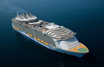 worlds-largest-passenger-ship-harmony-of-the-seas-royal-caribbean-23